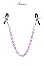 Chaine et pinces à seins Sweet Caress : 2 pinces à seins reliées entre elles par une chainette en acier, pour lui procurer de délicieuses sensations.